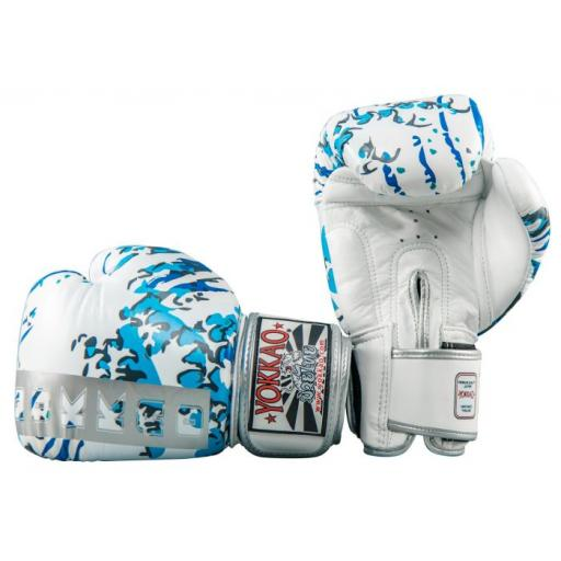 great_waves_muay__thai_boxing__gloves_3.jpg