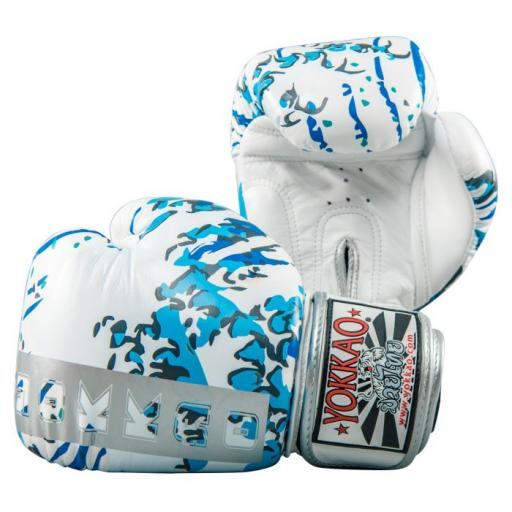great_waves_muay__thai_boxing__gloves_1.jpg