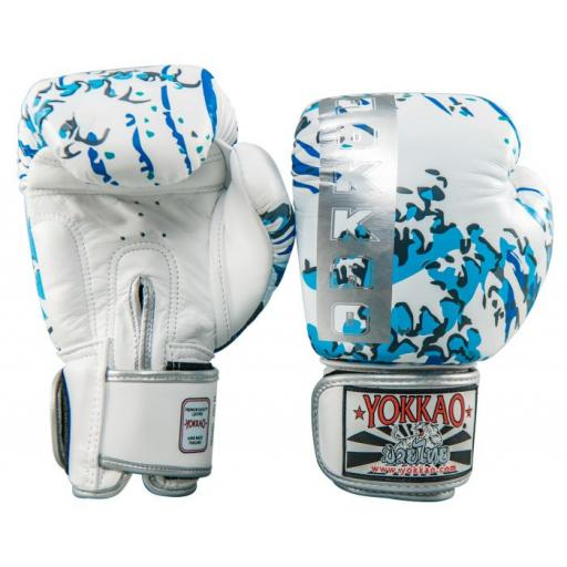 great_waves_muay__thai_boxing__gloves_2.jpg